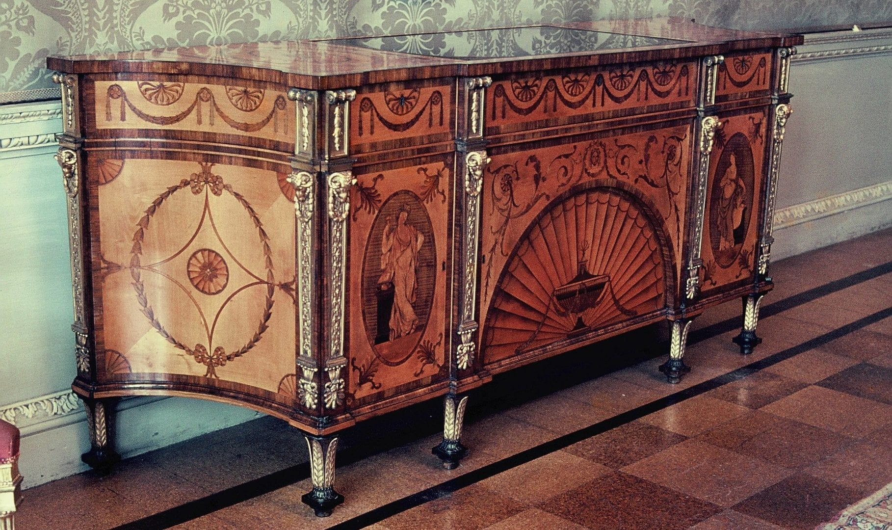 renishaw-commode
